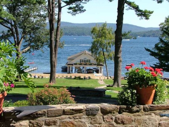 Still Bay Resort: Incredible views from the stone patio of the Manor house.