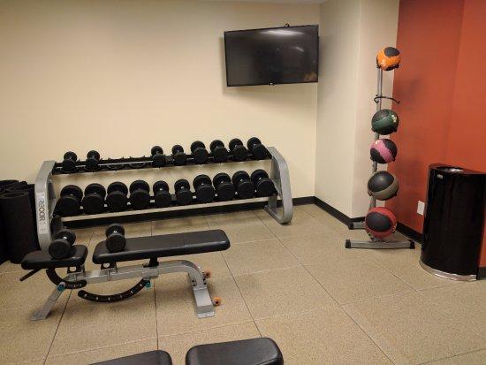 Fitness Center Picture Of Doubletree By Hilton Hotel Cedar Rapids Convention Complex Tripadvisor