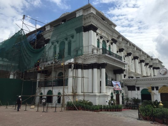 Hotel Shanker: The hotel was undergoing repair or remodelling when I visited
