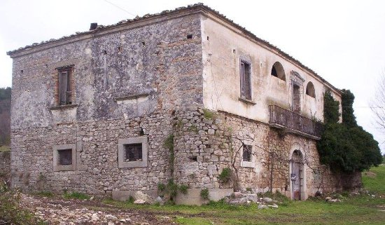 Buonalbergo, Taliansko: Taverna ante restauro anno 2007