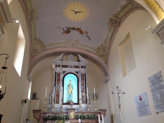Buonalbergo, Taliansko: interno del Santuario