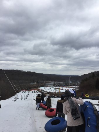 Shawnee on Delaware, Pensilvania: Family-friendly ski resort! Perfect for winter break vacation. 👍🏻💕