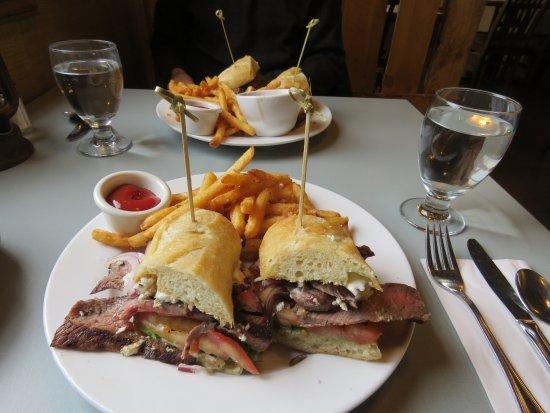 Rosebud, Canadá: Food - Sliced steak sandwich