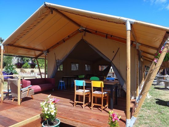 Hastings, Selandia Baru: Safari Dining Tent open Jan 2017