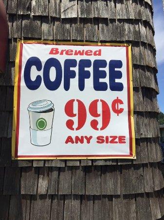 Winchester Bay, Орегон: Well, the coffee is cheap!
