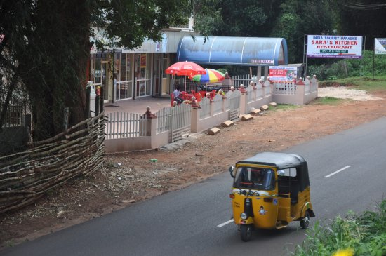 Auto Rockshaw on Gudalur- Ooty Road - Picture of Sara\'s Kitchen ...