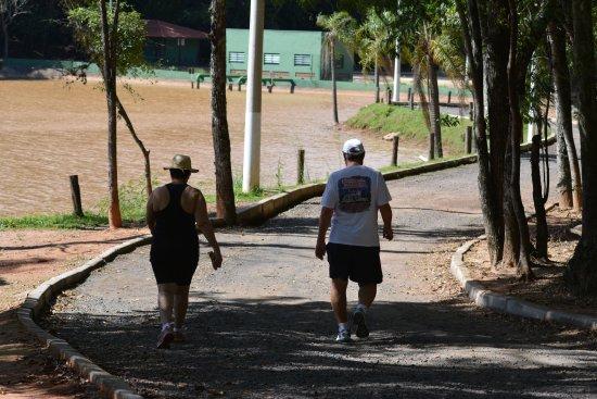 Parque Represa Dr. Jovino Silveira: Caminhada