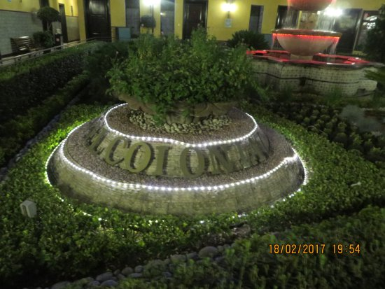 Hotel Colonial: Central Courtyard