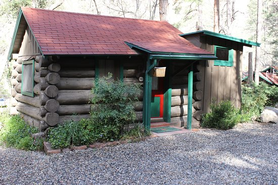 The Butterfly Garden Inn: Cabin 15