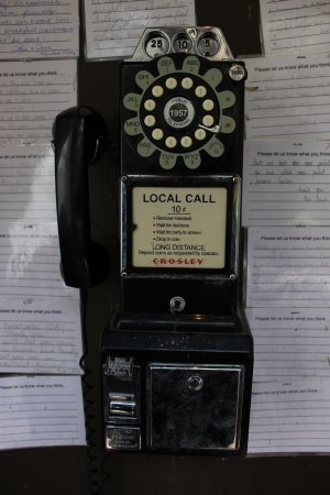‪‪The Butterfly Garden Inn‬: Working phone from the 1950's!‬