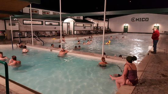 Pray, MT: Average pool weekday night in winter.