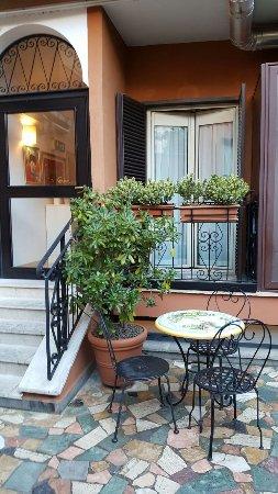 Hotel Modigliani: IMG-20170311-WA0022_large.jpg