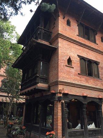 Dwarika's Hotel: Beautiful carved wooden balconies