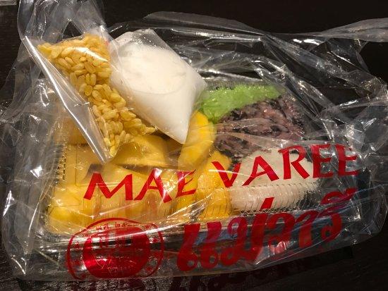 Photo of Thai Restaurant Mae Varee Fruit Shop at Thong Lo 55, Bangkok, Thailand