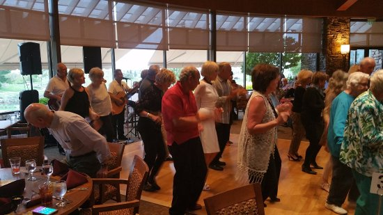 Lincoln, CA: Always lots of line dancing