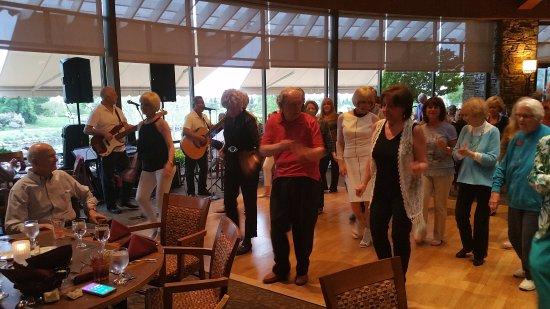 Lincoln, كاليفورنيا: More line dancing
