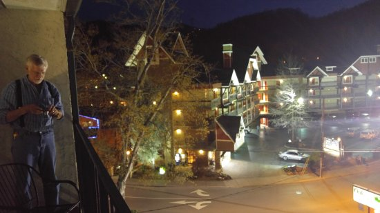 Oak Square at Gatlinburg: View of Smoky Mountain National Park from balcony