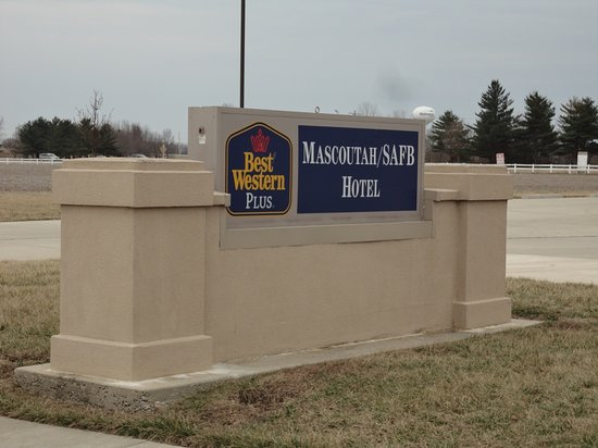 Mascoutah, IL: Entry sign