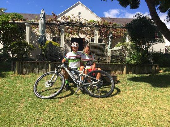 4 Heaven Guesthouse: Bike and Bed im 4-heaven Südafrika. Wir kennen die besten Trails und vermieten Top Fullys von Sc