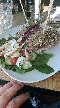 Bratislava Region, Slovakiet: Chilli chicken sandwich
