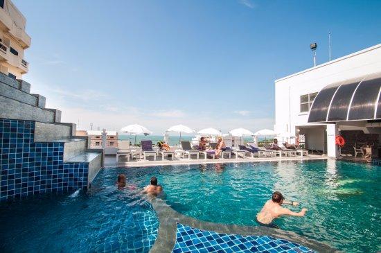 Flipper house hotel bewertungen fotos preisvergleich for Swimming pool preisvergleich