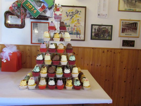 Lavagno, Italia: torta cupcake