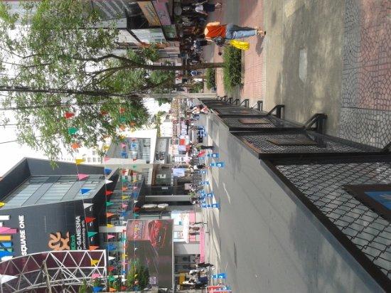 Siam Square: 20170405_141455_large.jpg