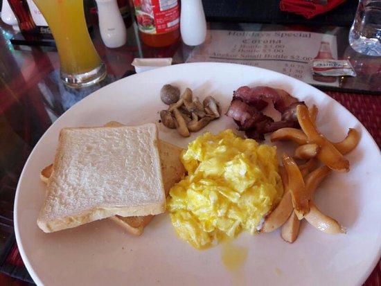 Viva Restaurant: English Breakfast Set (Include Juice)