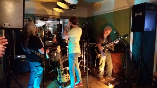 Eynsham, UK: Rockin' Music At The Swan