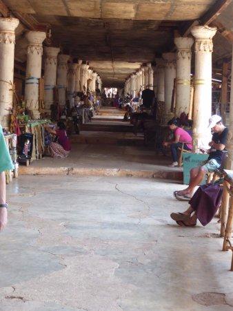 Indein Village: Walkway to Shwe Inn Tain Pagoda, Indein