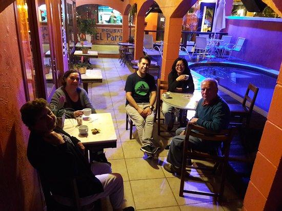 El Parador Pousada: Terraza de Comedor al costado de la Piscina