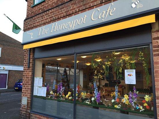 Rustington, UK: Easter windows!