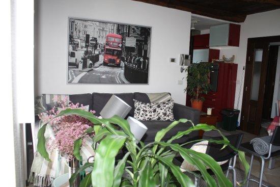 Nebbiuno, İtalya: soggiorno cucina appartamento primo piano