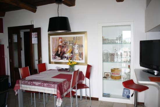Nebbiuno, İtalya: sala da pranzo primo piano