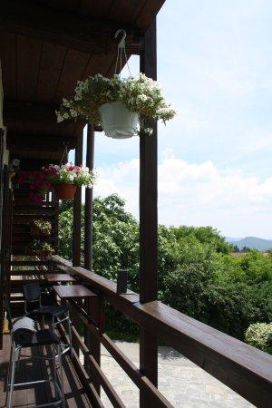 Nebbiuno, Italia: panorama balcone primo piano