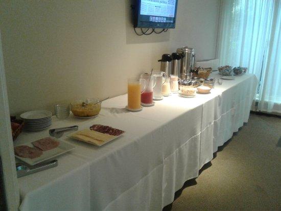 Mercedes Rambla Hotel : 20170404_073541_large.jpg