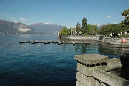 Pallanza, إيطاليا: vista da villa giulia