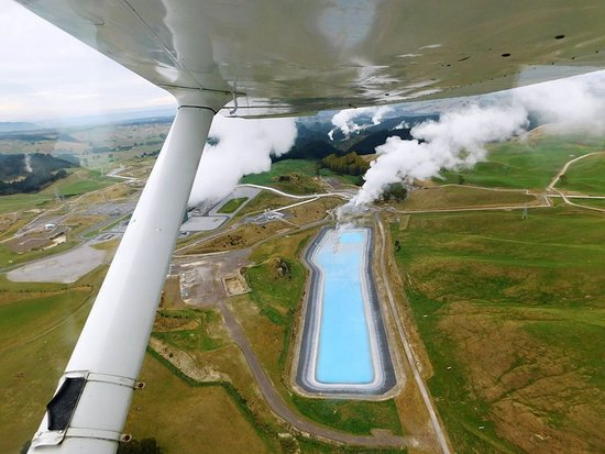 Taupo's Floatplane: Interesting view