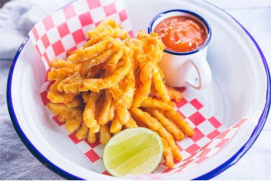 Chameleon Restaurant: Crispy squid with chilli mango