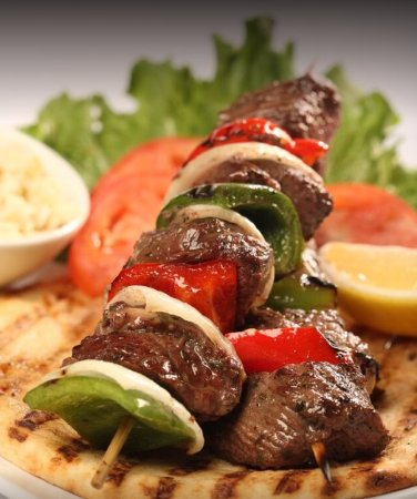 Lombard, IL: Charbroiled Beef Tenderloin Kabobs