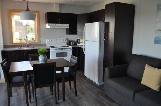 Appartement Deux Chambrescuisine équipée Two Bedrooms Appartment - Marchand de cuisine equipee