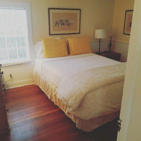 Gansett Green Manor: Second bedroom.