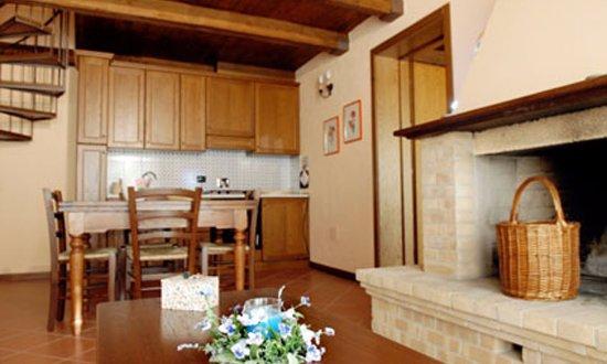 Cortaccione, Włochy: soggiorno con cucina