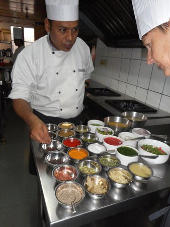 Shanti Home : Cooking lesson: Learning about spices