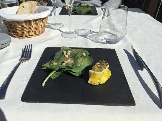 Chez Philippe : petit chèvre mariné à l'huile d'olive et aux herbes de provence