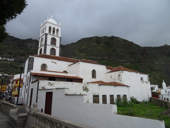 Torre mirador, museo de arte sacro e iglesia Parroquial de Santa Ana