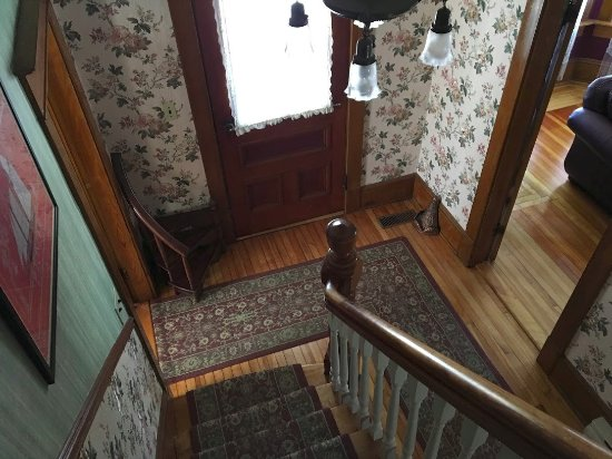 Bocabec, Canada: main staircase and entrance