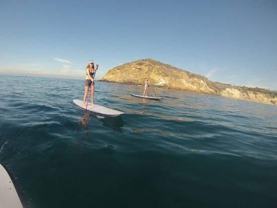 Hana Paddle Boards: Paddle boarding around Point Dume