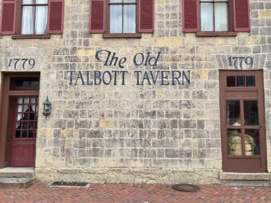 Old Talbott Tavern: Out front of Tavern