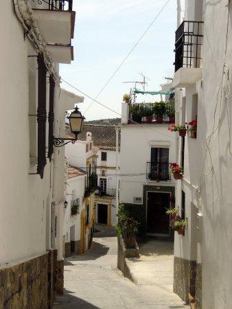 a street in Casarabonela © Robert Bovington
